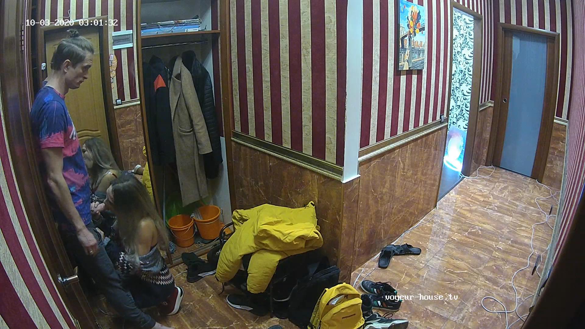 Anna and Alex quick sucking in hallway Oct 3