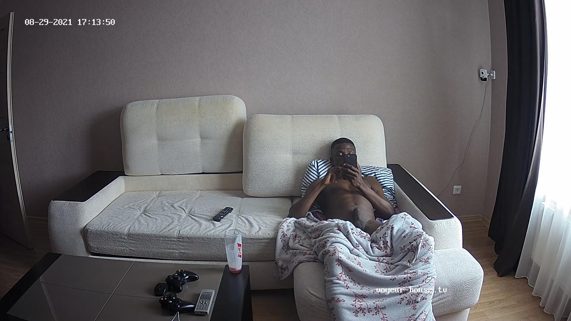 Angelo does a bit of jerking 29 Aug 2021 cam 2